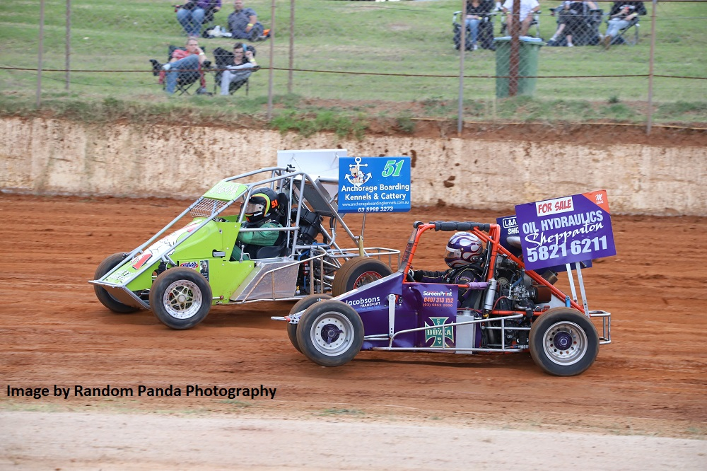 #51 Danny Stainer Passing #15 Lisa Chalcraft - Photo courtesy of Random Panda Photography