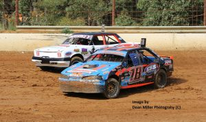 Jake Drewett #18 passing Leigh Bourke #9 - Photo Courtesy of Dean Miller Photography